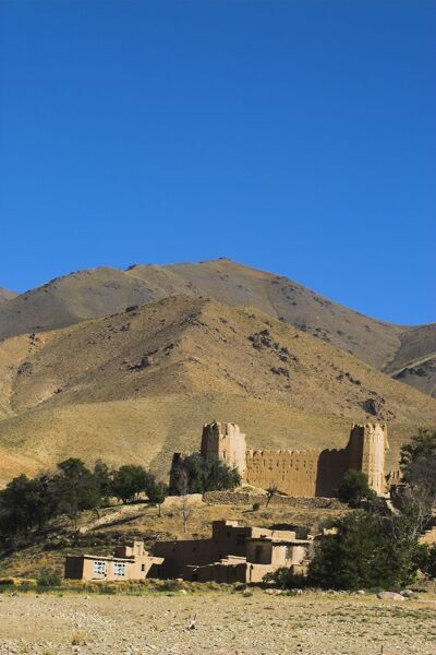 Fortress, Sar-e-Cheshma (Sarcheshma), between Kabul and Bamiyan, Afghanistan, Asia. © Jane Sweeney