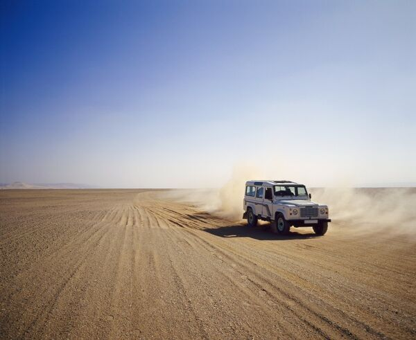 Four-wheel drive Landrover, off-roading in the desert, Algeria, Africa