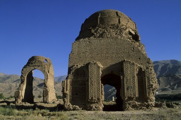 Ghorid (12th century) ruins, believed to be a Mausoleum or Madrassa, Chist-I-Sharif, Afghanistan, Asia