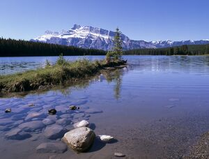 Two Jack Lake with Mount Rundle beyond, Banff National Park, UNESCO World Heritage Site