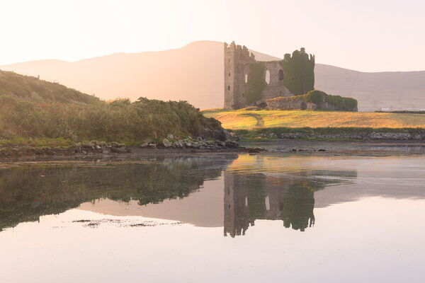 Ballycarbery Castle, Cahersiveen, County Kerry, Munster, Republic of Ireland, Europe