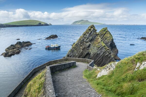 Dunquin pier, Dingle Peninsula, County Kerry, Munster province, Republic of Ireland, Europe