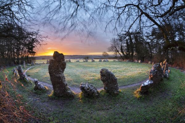 The King's Men stone circle at sunrise, The Rollright Stones, Chipping Norton, Cotswolds, Oxfordshire, England, United Kingdom, Europe