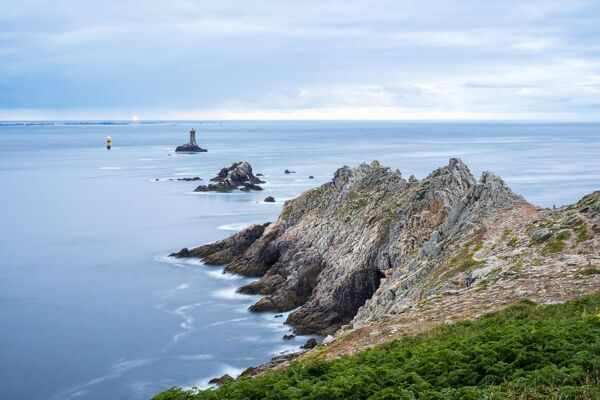 Pointe du Raz, Plogoff, Finistere, Brittany, France, Europe