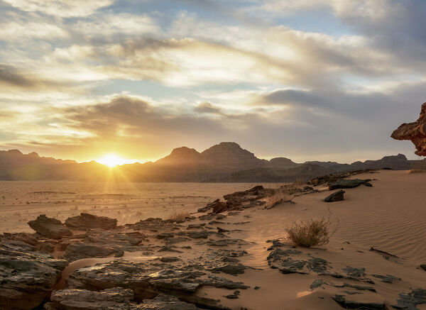 Wadi Rum at sunset, Aqaba Governorate, Jordan, Middle East