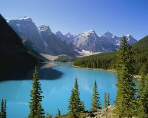Moraine Lake, Valley of Ten Peaks, Banff National Park, Rocky Mountains, Alberta, Canada