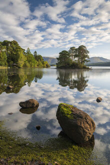 perfect morning reflections derwent water lake