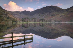 perfectly buttermere sunset lake district national