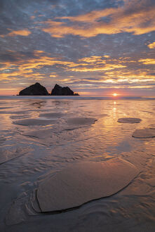 spectacular sunset holywell bay north cornwall